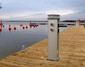 Sähkön- ja vedenjakelupylväät www.TMlaiturit.fi info@tmlaiturit.fi +358 9 2316 1050